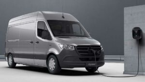 mercedes-benz-esprinter-battery-fire