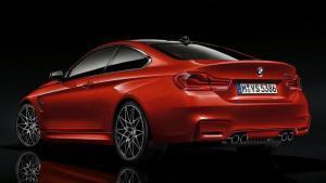BMW-M4-Series-recall-knee-airbags