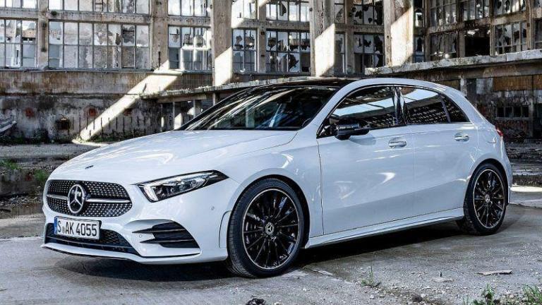 Mercedes-Benz-A-Class-2018-trailer-coupling-recall