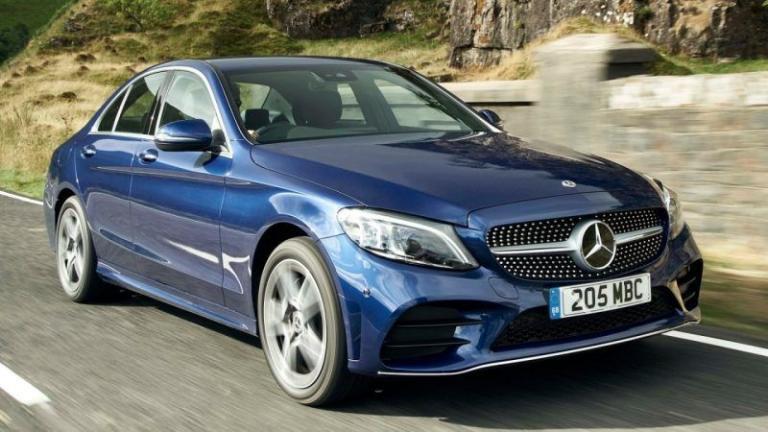 Mercedes-Benz-C-Class-2018-recall-towbar
