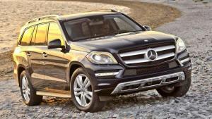 Mercedes-Benz-GL-2013-recall-oil-leak