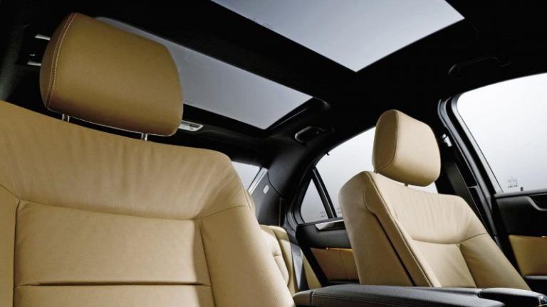Mercedes-Benz-sunroof-recall