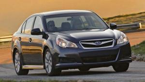 Subaru-Legacy-2010-recall-airbag