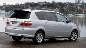 Toyota-Avensis-Verso-2009-recall-airbag