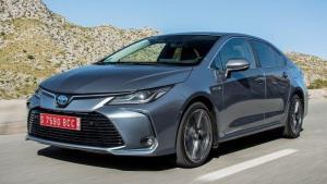 Toyota-Corolla-2019-panorama-roof