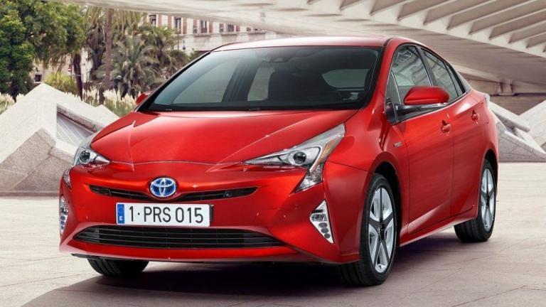 Toyota-Prius-recall-seat-cover-airbag