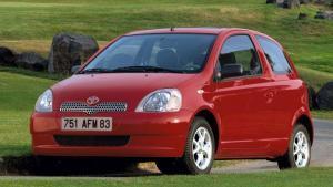 Toyota-Yaris-1998-recall-airbag