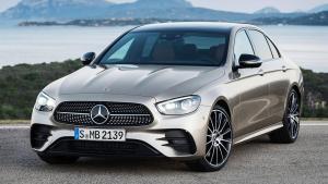 Mercedes-Benz-E-Class-rear-seat-back-lock