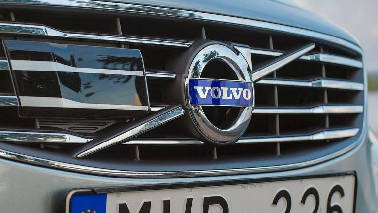 Volvo-recall-seatbelts