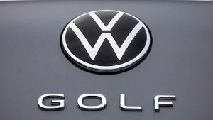 VW-Golf-8-2020-recall-e-call-audi-oil-leak