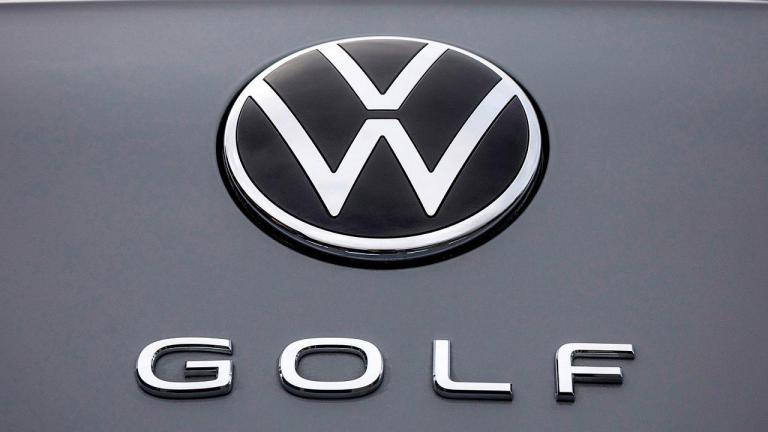 VW-Golf-8-2020-recall-e-call-audi-oil-leak