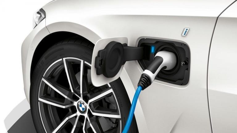 BMW-phev-plug-in-hybrid-recall-fire