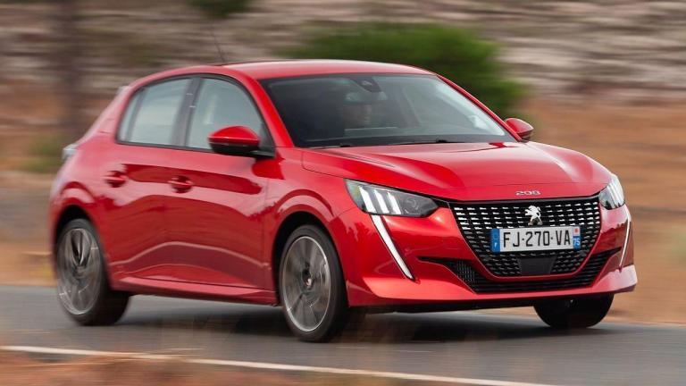 Peugeot-208-2020-fuga de combustible