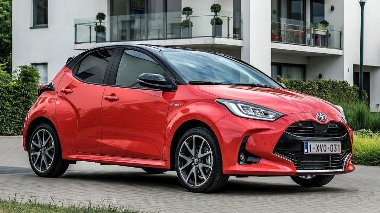 Toyota-Yaris-2020-interruptor de faros
