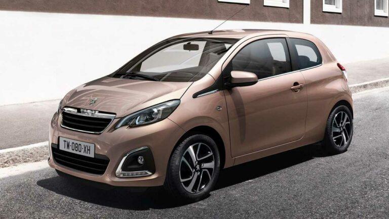 Peugeot-108-2020-seatbelt-stitching