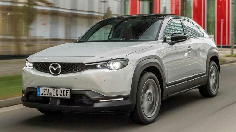 Mazda-MX-30-asistencia-luces-de-freno