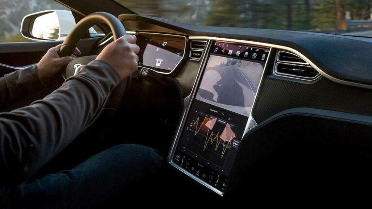 Rappel d'écran tactile central Tesla Europe