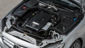 Mercedes-Benz-petrol-engine-fire