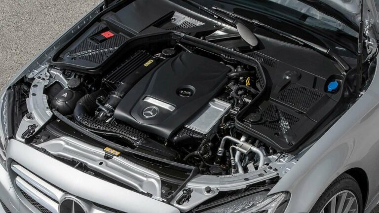 Mercedes-Benz-benzina-motore-fuoco