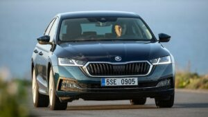 Skoda-Octavia-2020-steering