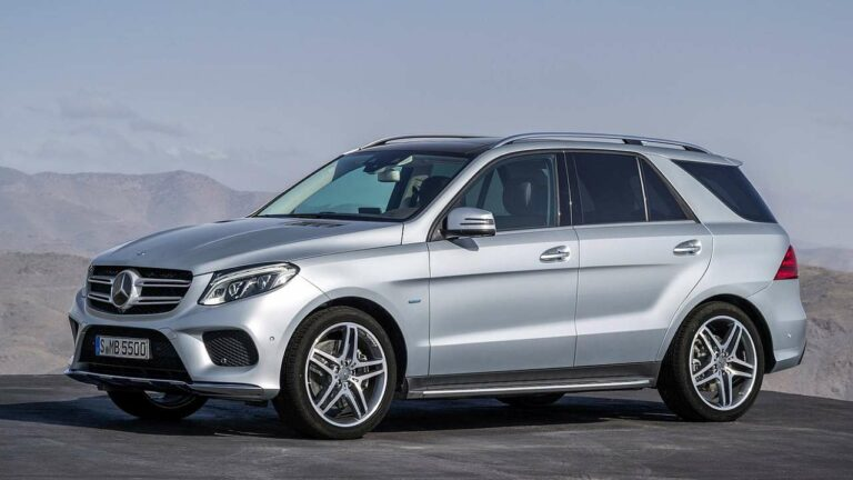 Mercedes-Benz-GLE-roof-panel