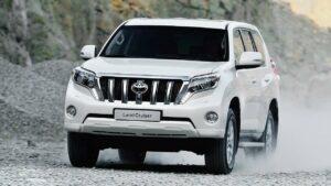 Toyota-Land-Cruiser-windscreen-washer-jets
