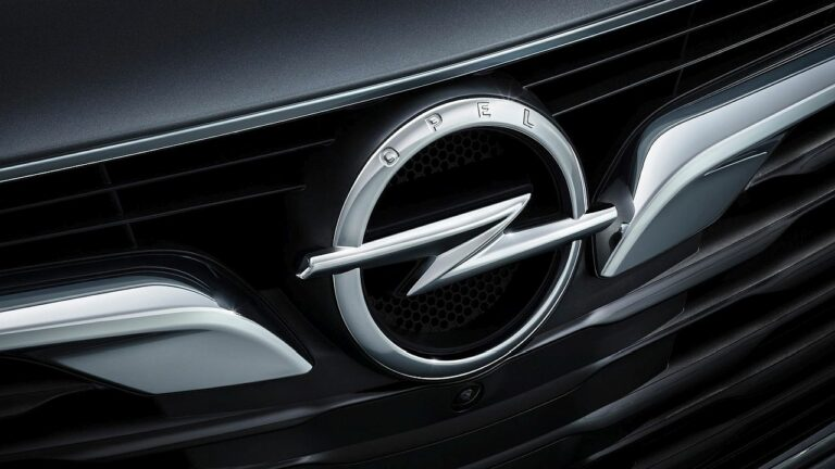 Opel-Insignia-brake-pedal-recall