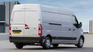 Opel-Movano-2018--fuel-fire