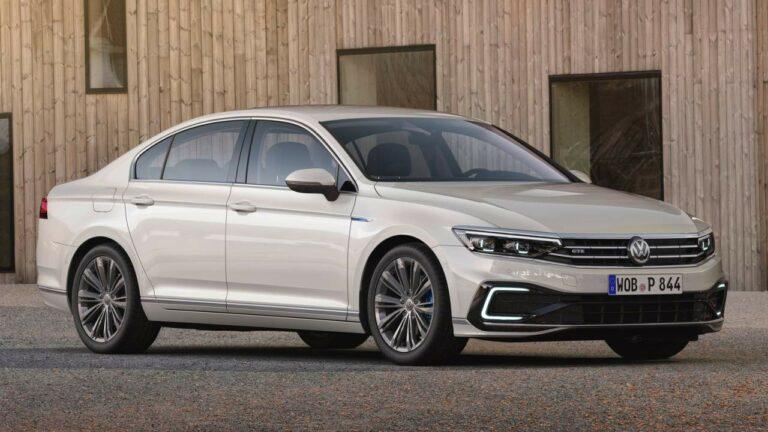 Volkswagen-Passat-GTE-battery-cable