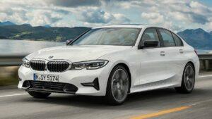 BMW-3-Series-2021-seatbelt