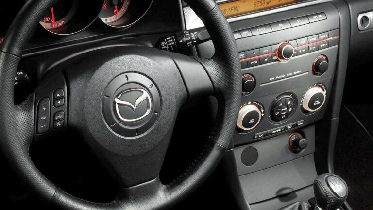 Logo-volant Mazda-3