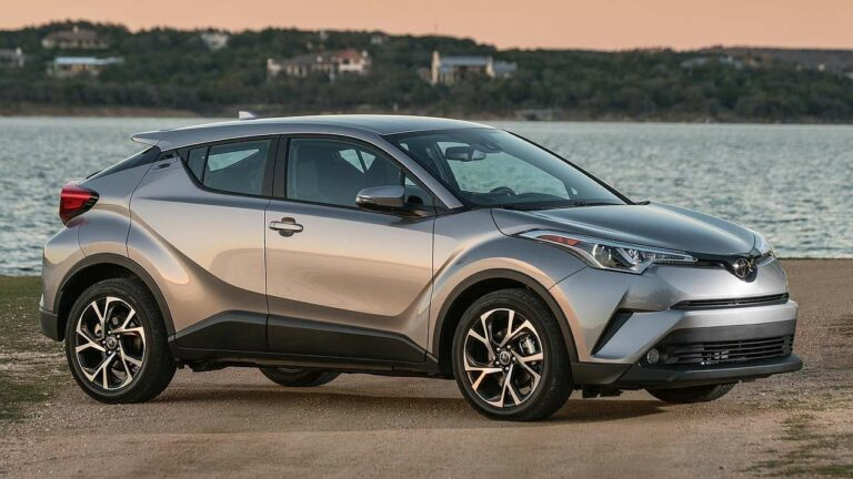 Toyota-C-HR-2018-fuel-pump