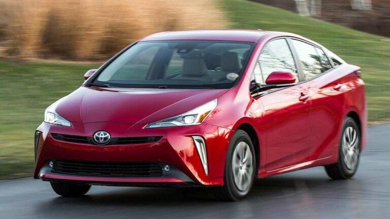 Toyota-Prius-2021-Pre-Collision-System